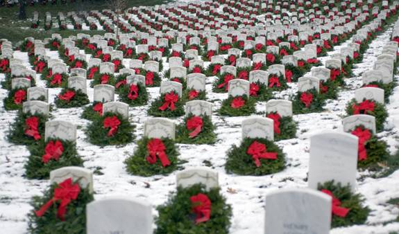 Arlington cemetery grave markers with Christmas wreaths
